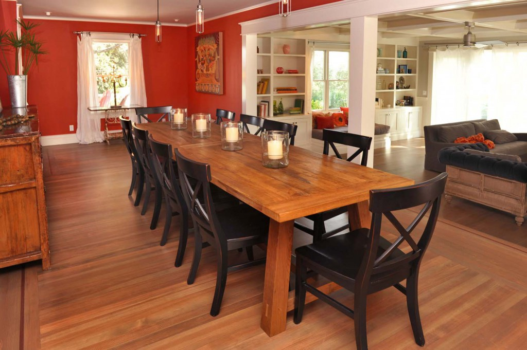 Main House | The table seats 12. That's two turkey's worth at Thanksgiving.